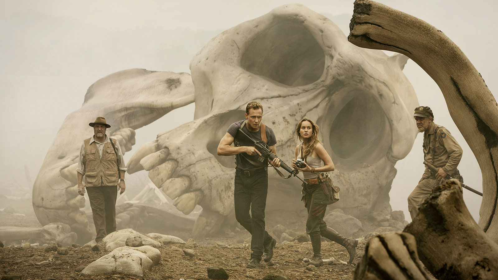 Skull Island Teaser Reveals King Kong Remake At Comic Con: The King Rules In 'Kong: Skull Island' #SDCC Trailer