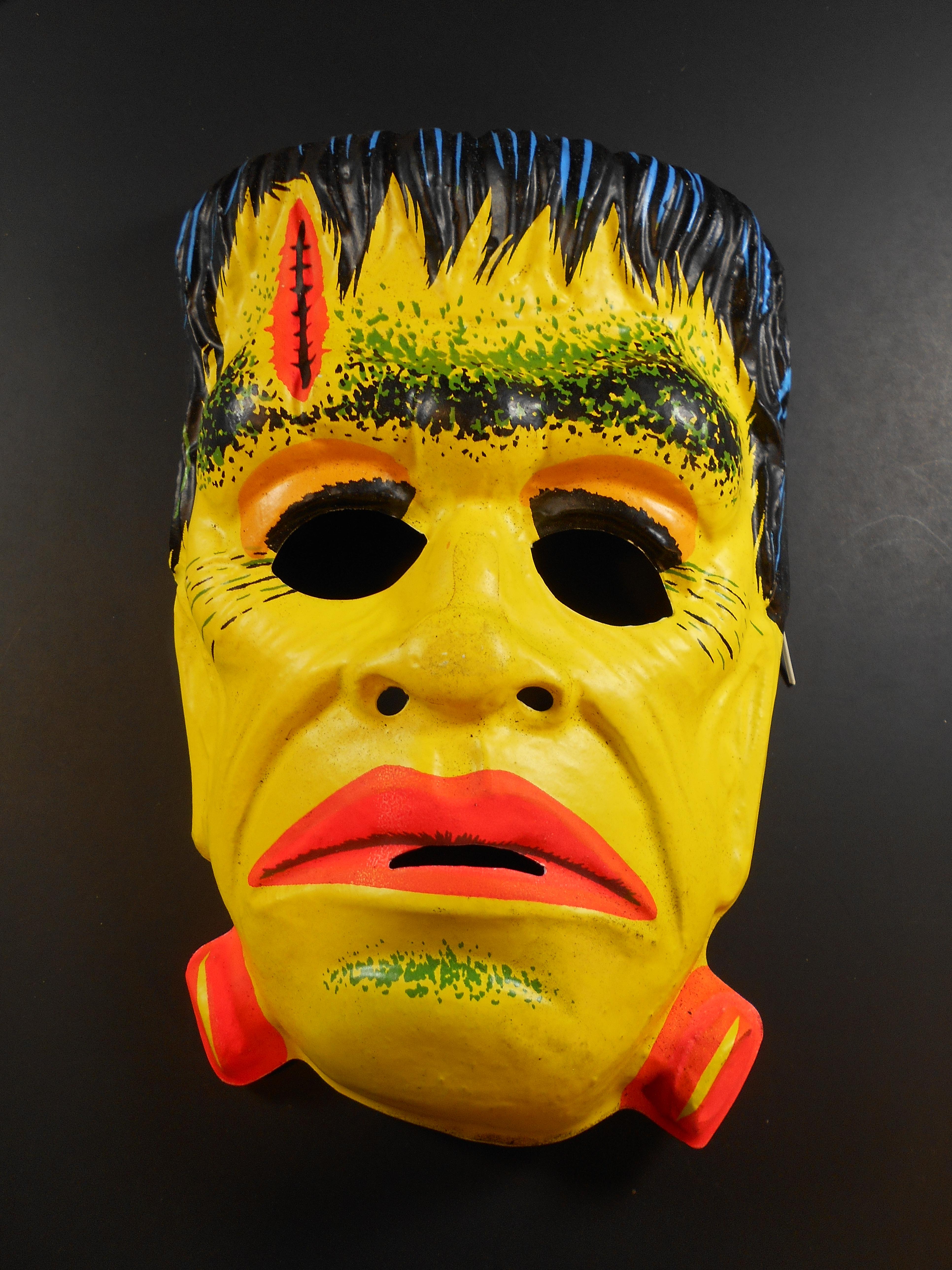 Ben Cooper Halloween Masks.Interview Ben Cooper Costumes Relaunched By Original Family Part 1 Halloween Daily News