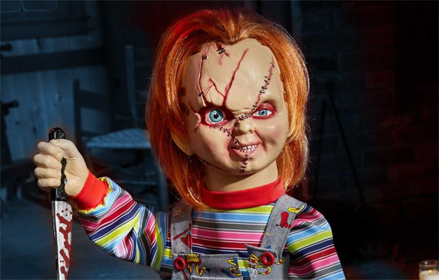 chucky bump n go animatronic from spirit halloween