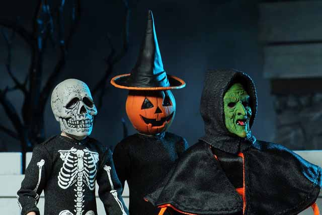Halloween 2020 Season Of The Witch Masks Neca Releasing 'Halloween III' Silver Shamrock Figures in February