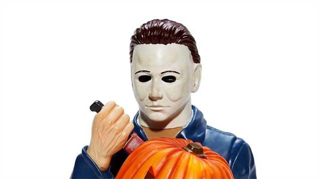 Halloween 2020 Michael Talks Michael Myers Light Up Statue Joins 2020 Spirit Halloween
